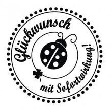 """Stempel / Stamp: Holz / Wood Holze mini stempel med tyske tekst """"Tillykke med øjeblikkelig virkning"""", 3 cm diameter"""