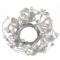 Anillo de perlas con un diámetro de anillo corazones 3 cm, PVC cuadro 1 pieza, blanco