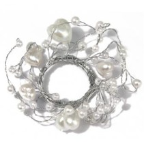 Perlenring mit Herzen, Ring ø 3 cm, PVC-Box 1 Stück , weiß