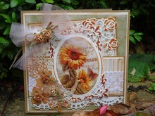 Joy!Crafts und JM Creation Gioia Crafts, taglio e goffratura stencil
