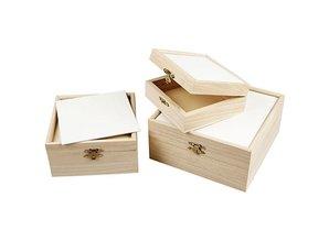 Objekten zum Dekorieren / objects for decorating 3 wooden boxes with cardboard