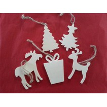 5 different Christmas motifs made of wood + 1 wooden sled EXTRA!