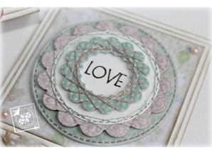 Joy!Crafts und JM Creation Punching and embossing template based rond met schulprand