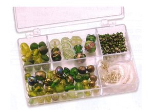 Schmuck Gestalten / Jewellery art Schmuckbox glass beads assortment green