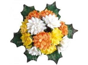 Embellishments / Verzierungen Bund Mini crisantemo con foglie: giallo, arancione e bianco