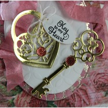 Punching and embossing template: Love Locket