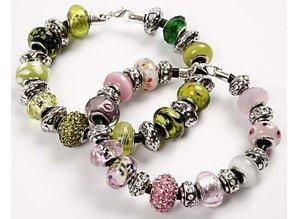 Schmuck Gestalten / Jewellery art 24 forskellige glasperler