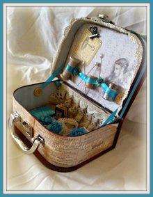 Objekten zum Dekorieren / objects for decorating 1 Koffer, in 2 verschiedenen Größen in Auswahl