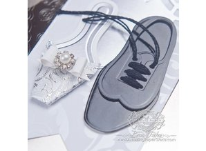 Spellbinders und Rayher Punching and embossing template: 3D Damenschuh
