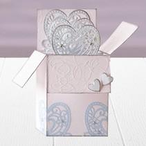 Stempelen en embossing stencil van Diesire, hart, bloemen en hoeken
