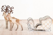 TONIC Punching and embossing template: 1 + 1 sled reindeer