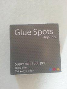 BASTELZUBEHÖR / CRAFT ACCESSORIES Mini Klebe Punkte, 3 mm Durchmesser, Stärke 1 mm, 300 Stück
