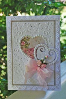 X-Cut / Docrafts Punching and embossing template: A6 frame with heart
