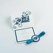 Stempelen en embossing sjabloon: filigraan decoratieve grens Hart en vogel