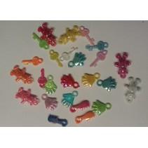 25 akryl vedhæng, tema baby i forskellige farver