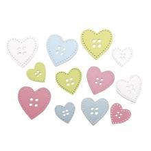 Embellishments / Verzierungen 24 Holz Knöpfe Herzen in 3 Größen