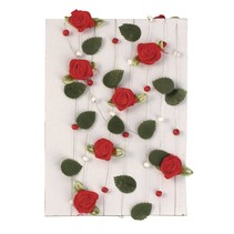 rose rouge guirlande avec des feuilles + perles
