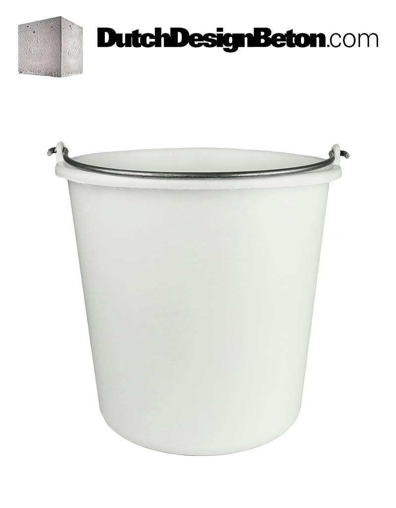 DutchDesignBeton.com White Bucket. To pour into molds.