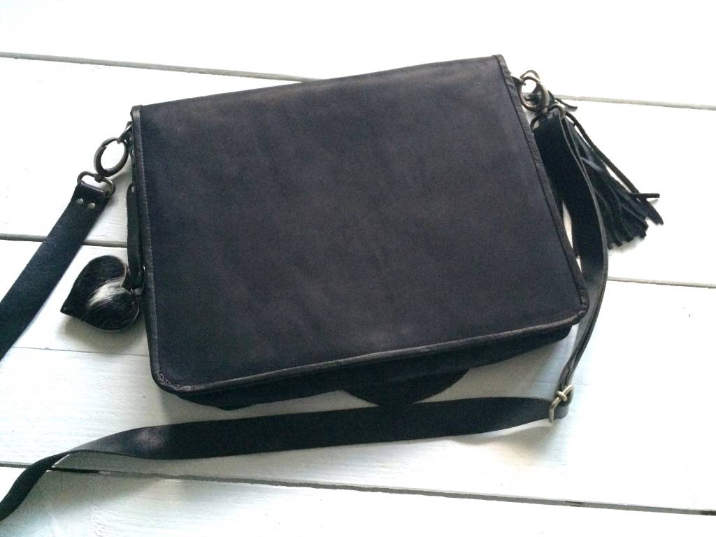 NERO Koeienhuid messenger bag