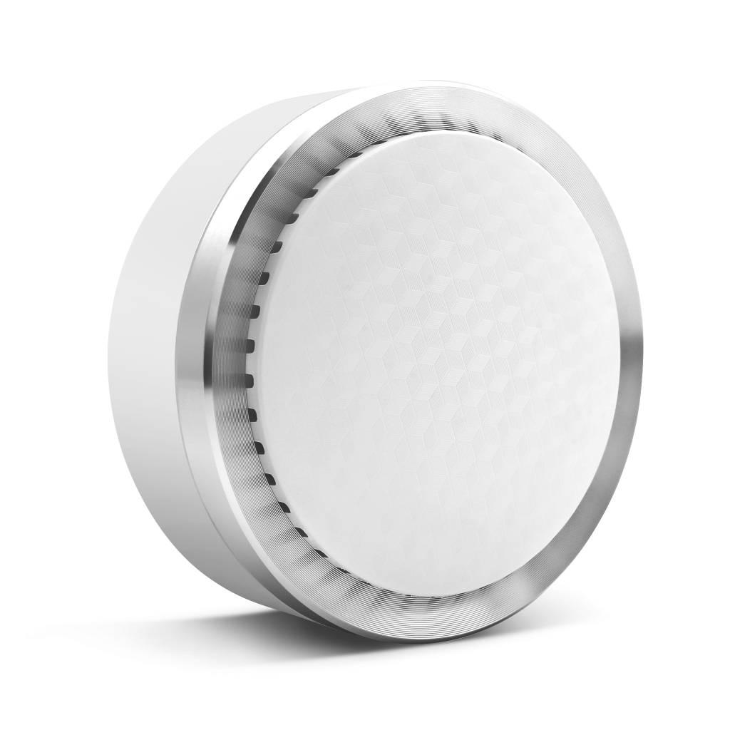 Die Smanos SS-20 Funk-Innens Sirene ertönt seine 90dB laute Sirene, wenn ein Sensor K1 aktiviert, um Eindringlinge abzuschrecken. Es ist ratsam, 2 bis 4 Sirenen strategisch in Ihrem Hause zu platzieren.