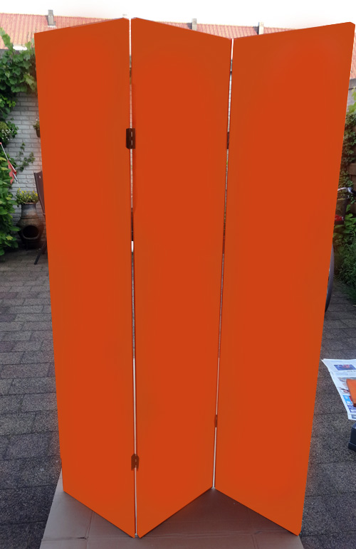 Kamerscherm verven Oranje