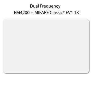 DUAL Card. Wit, ca. 54 x 86 mm. EM4200+MCEV11K chip.