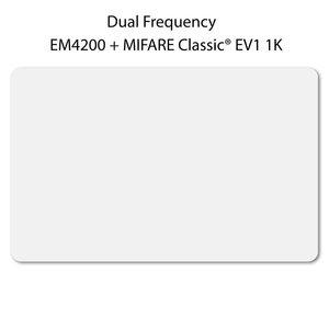 DUAL Card. Wit, ca. 54 x 86 mm. EM4200+MCEV11K chip.