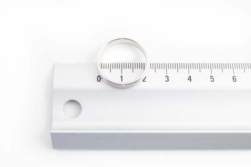 Ringmaat meten met een lineaal