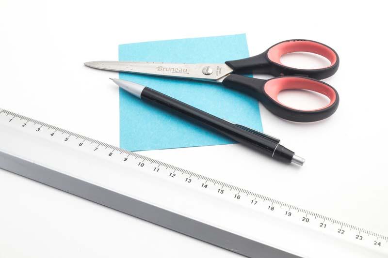 Ringmaat meten met papier, schaar en potlood