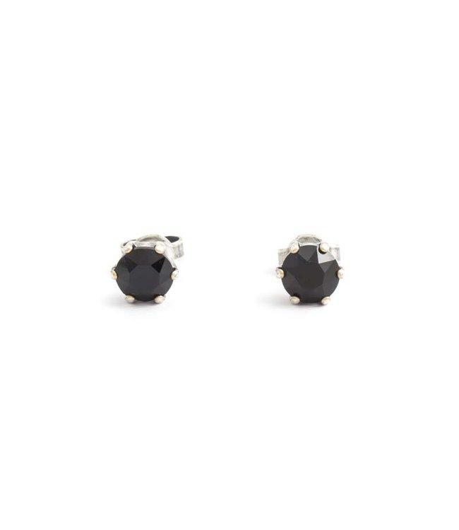 Krikor Zilveren oorknopjes met 6 mm zwarte kristal