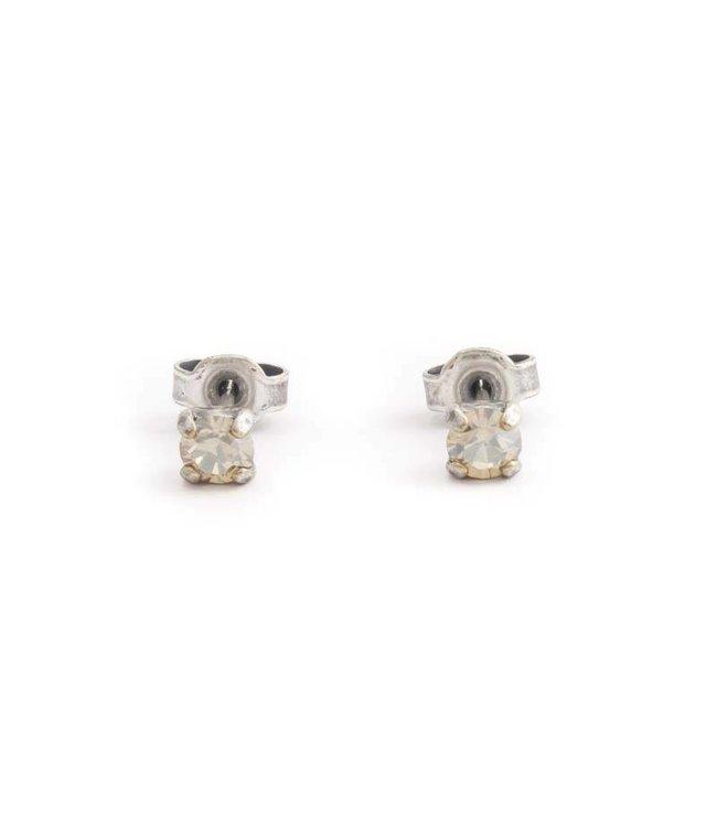 Krikor Zilveren oorknopjes met 4 mm beige kristal