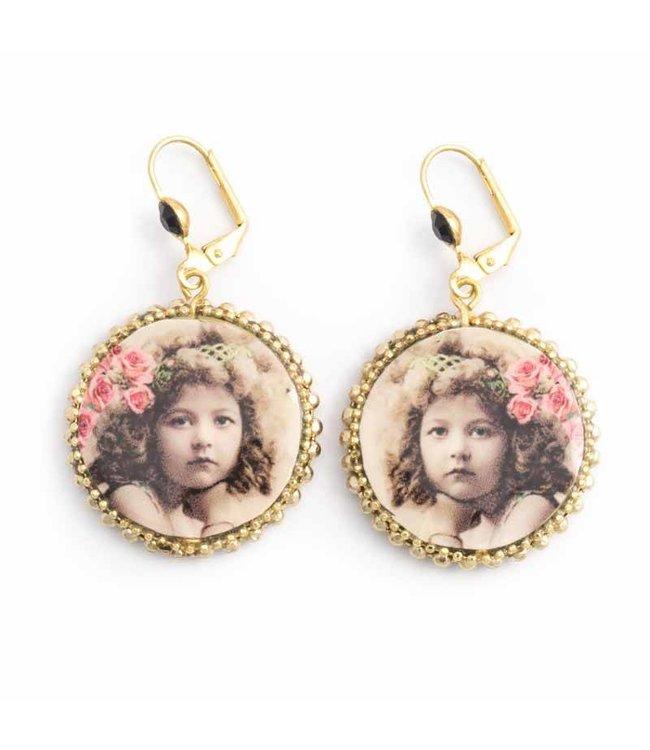 Iris Ronde oorbellen met vintage portret