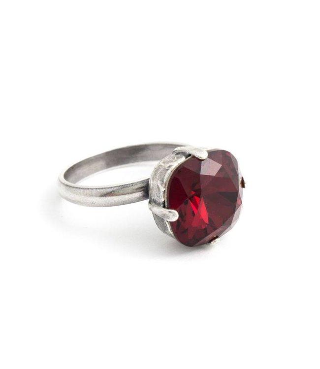 Krikor Rode ring met 12 mm Swarovski kristal