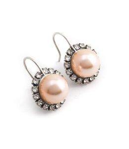 Krikor Perzik roze parel oorbellen 10 mm