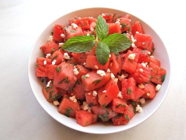 Frisse watermeloensalade met munt en fêta