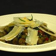 Glutenvrije Perle van Spinazie met Salie-Boter saus en Rode peper vlokken