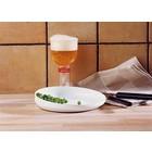 Schmackhaftes Glas, (Getränk) Tasse und Teller von Etac