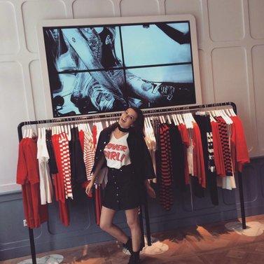 pose like a cover girl! #bonte#a-line#skirt #covergirl#t-shirt #bronte#jacket NIKKIE #BrandStore #DenBosch #Kerkstraat13