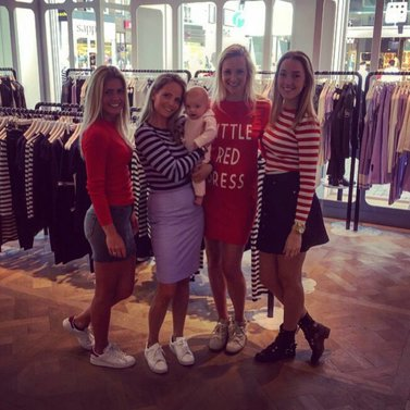 mommy in spe! #little#red#dress #NIKKIE #BrandStore #Groningen #TussenBeideMarkten2-4