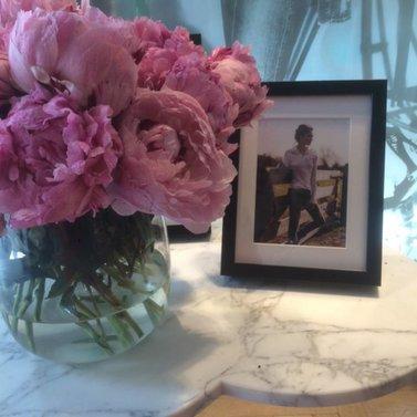 Pink flowers #NIKKIE #BrandStore #Rotterdam #Meent90