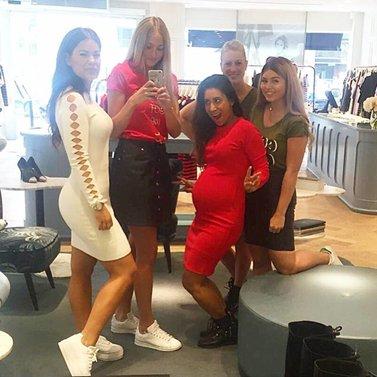 Nikkie crew selfie! #NIKKIE #BrandStore #Rotterdam #Meent90