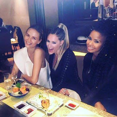 Dinner with the girls! #natashapoly #mariahelenabaly ❤️ love you!!!! #nikkie