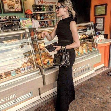 quatre croissants, s'il vous plaît! #dress #Nikkie