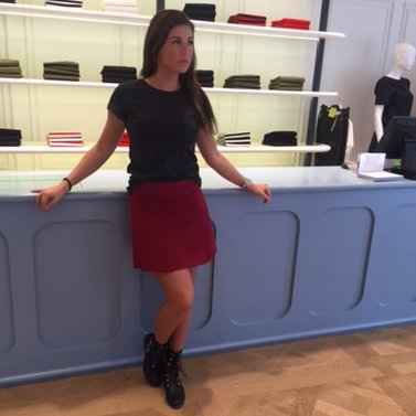 cherry red! #NIKKIE #BrandStore #Rotterdam #Meent90