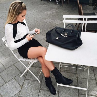 Out and about, black and white! nila#dress and #studsbiker#boots #NIKKIE Now in stores and Friday 6pm online