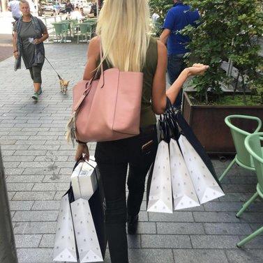 happy customer! #NIKKIE #BrandStore #Rotterdam #Meent90