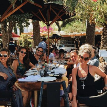 Lunch! #nammosmykonos #friends #NIKKIE