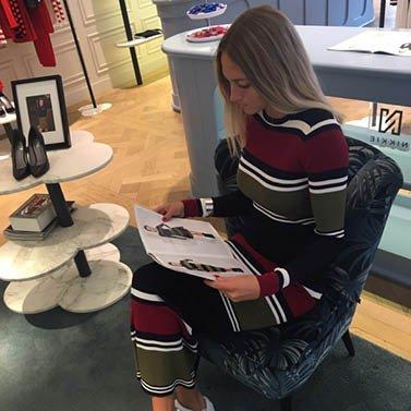 reading time! #NIKKIE #BrandStore #Rotterdam #Meent90
