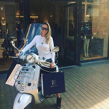 Let's go to the City with the VESPA.#NIKKIE #BrandStore #Groningen #TussenBeideMarkten2-4