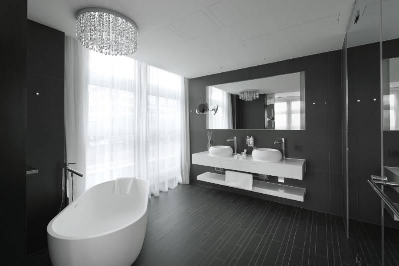 Marike in alle 245 hotelkamers van het prestigeuze Kameha Zurich